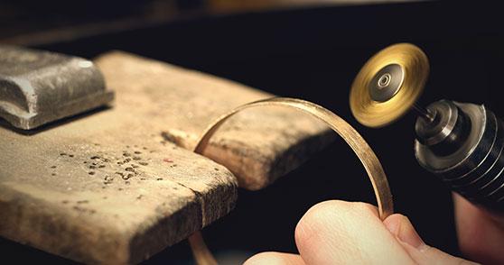 D&M Jewellery Finishers